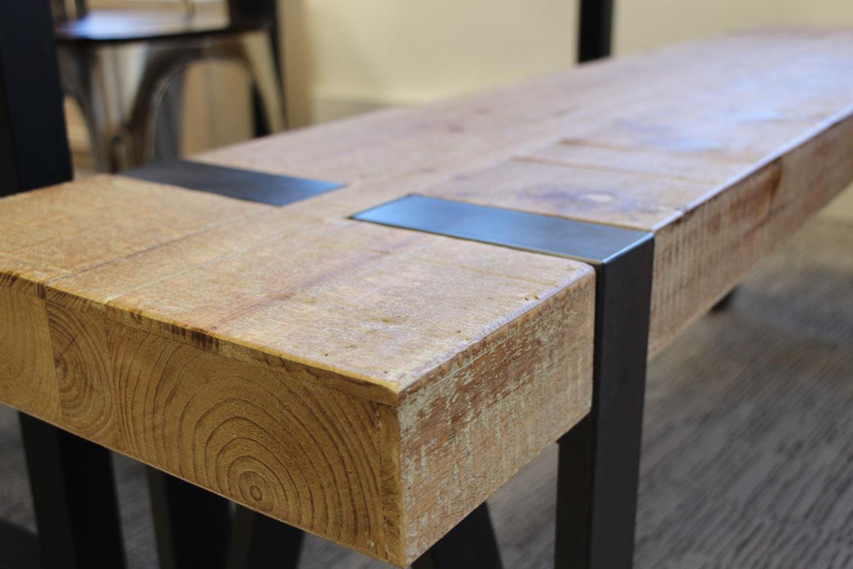 table haute mange debout en sapin massif double et pieds metal 140x80x105cm epika