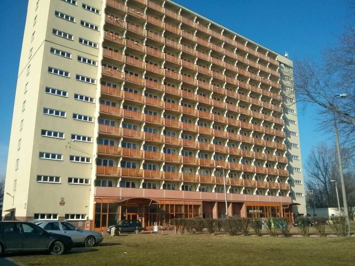 Najveća zgrada u studentskom naselju Lumumbowo © Marijana B.