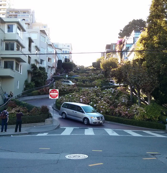Lombard Street (the crookedest street), San Francisco, as one of the stops on our USA road trip