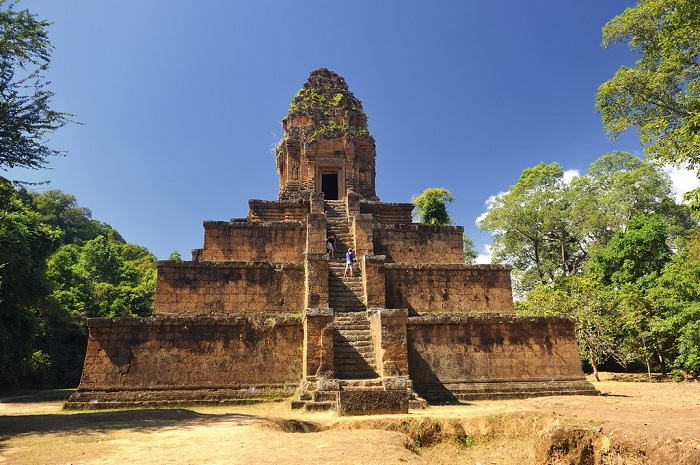 13 Lesser-Known Places of Worship in Southeast Asia | Baksei Chamkrong Temple, Cambodia | Lady of Awesome