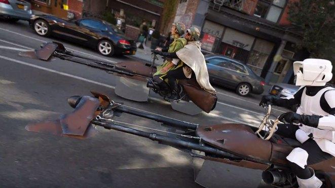 Halloween Levitating Star Wars Speeder Bike