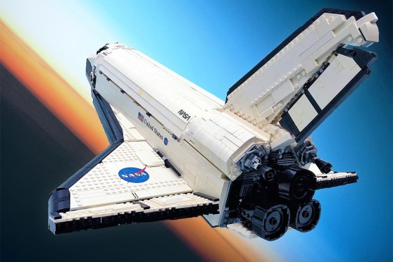 """Here's To Hoping This LEGO """"UCS-Style"""" Space Shuttle Atlantis Gets"""