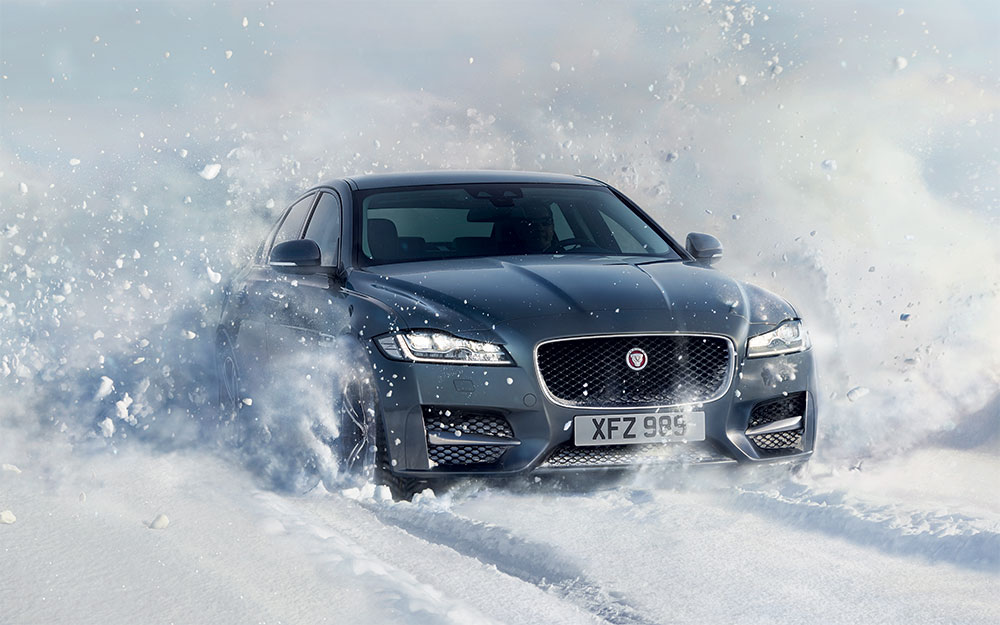 Luxury-Car-Jaguar-XF