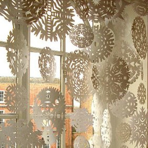 Elegant Snowflake Garland