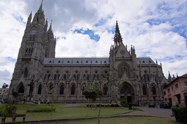 Basilica del Voto Nacional Quito Equateur