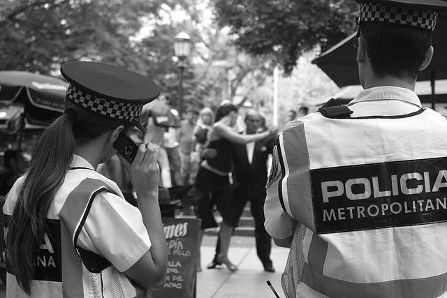 police et tango
