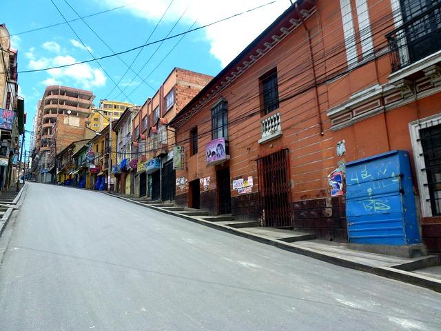 "Rues vides de La Paz © <a href=""https://www.flickr.com/photos/guellec31"" target=""_blank"">Léo Guellec</a>"