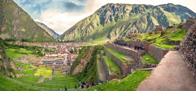 Vue sur Ollantaytambo, Pérou