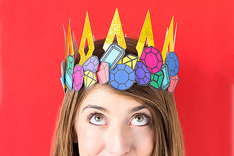 Make this fun paper crown with your Cricut