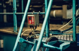 Eco obsolete tech and different strategies in the race for sustainable manufacturing
