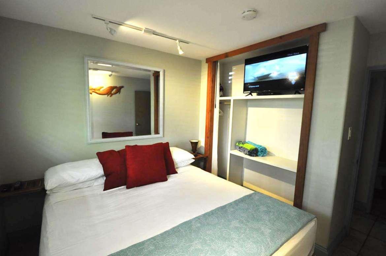 Bedroom #1 Cal King bed.