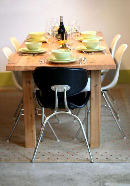 Set a beautiful table or walk to tons of amazing restaurants.