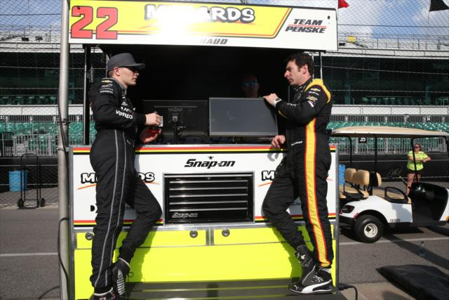 Newgarden y Pagenaud (FOTO: Chris Jones/IMS, LLC Photo)