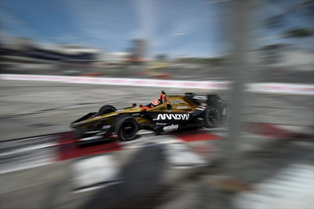 Hinchcliffe mostró ritmo, pero tuvo problemas al final de la práctica (FOTO: Chris Owens/INDYCAR)