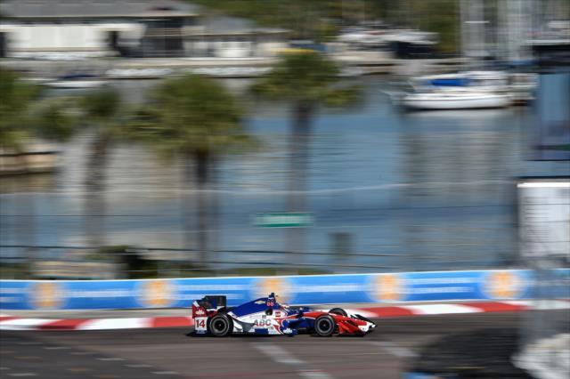 Muñoz vuelve a superar a Daly en prácticas (FOTO: Chris Owens/INDYCAR)