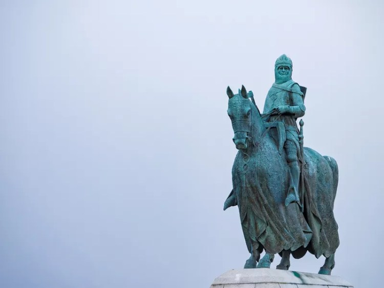 Statue of Robert the Bruce in Stirling