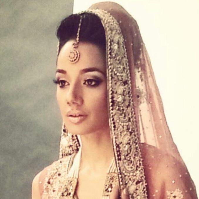indian bridal hairstyle & dupatta setting