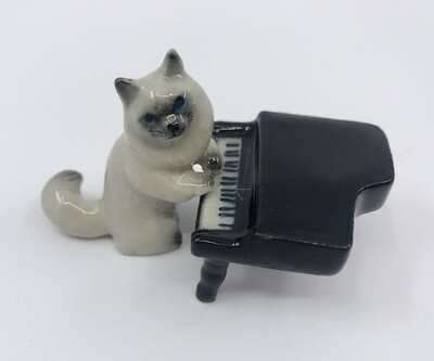 Piano Playing Cat