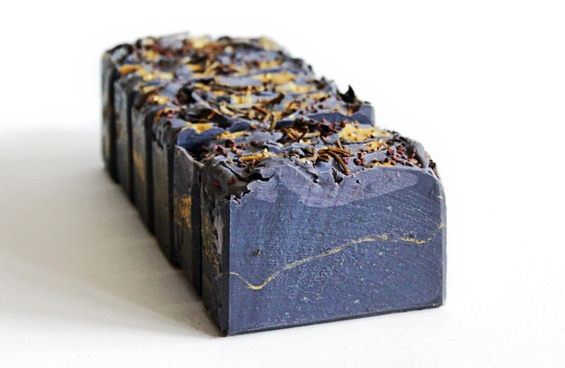 FIGS 'N' TWIGS superfatted beeswax gold soap