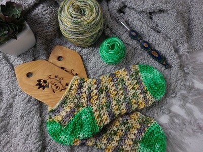 Crisscross Sock Crochet Kit