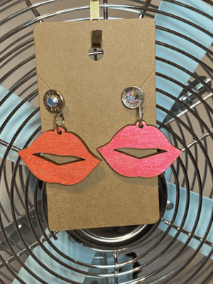 Wood Pink Lips with 9mm Slice with AB Crystal