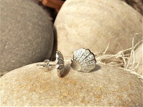 Camino Santiago shell earrings - silver + zirconita