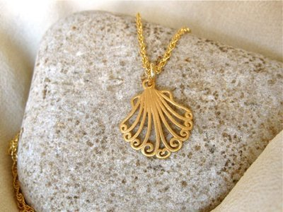 Camino de Santiago scallop shell necklace ~ gold-plated silver