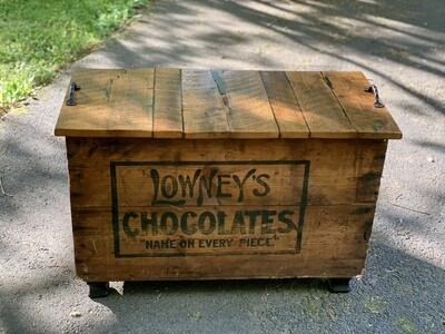 Trunk Coffee Table, Vintage Shipping Crate, Reclaimed Wood
