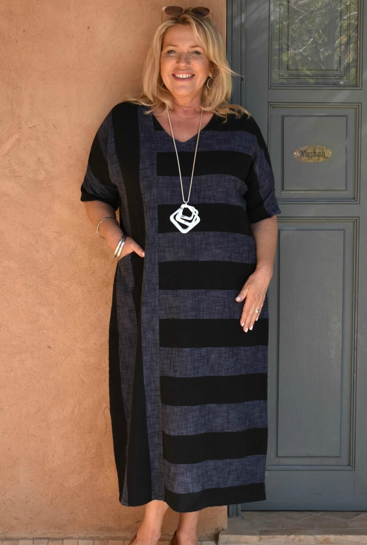 Rhea - Short sleeve linen/cotton tulip cut dress
