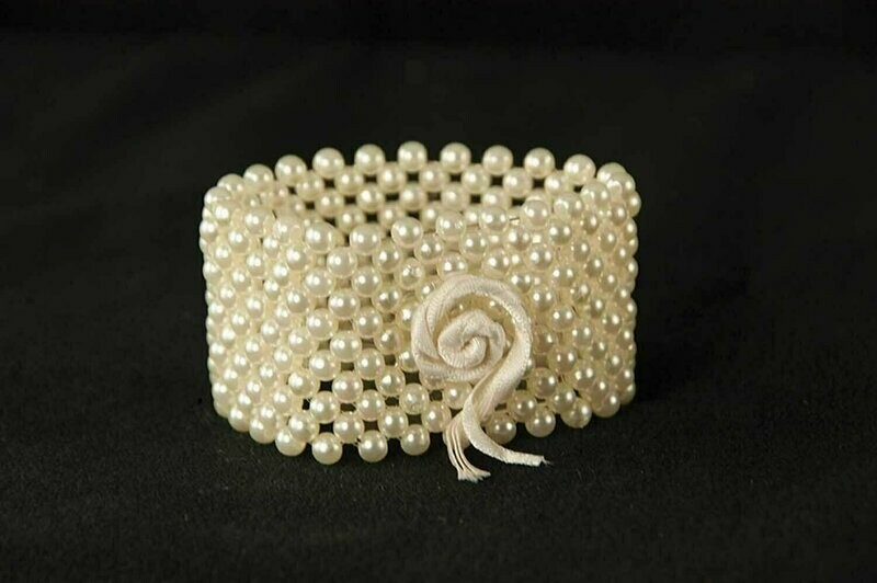 R111 - Mini Pearl Bracelet ( Champangne) ( Forever Keepsake Bracelet)
