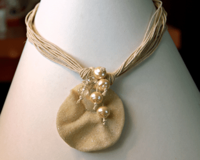 Jute pearl necklace