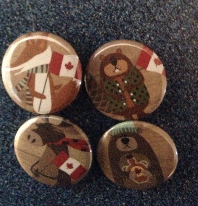 """Set Of 4 Iconic Canadian Animal 1 1/4'"""" Pin Back Buttons"""