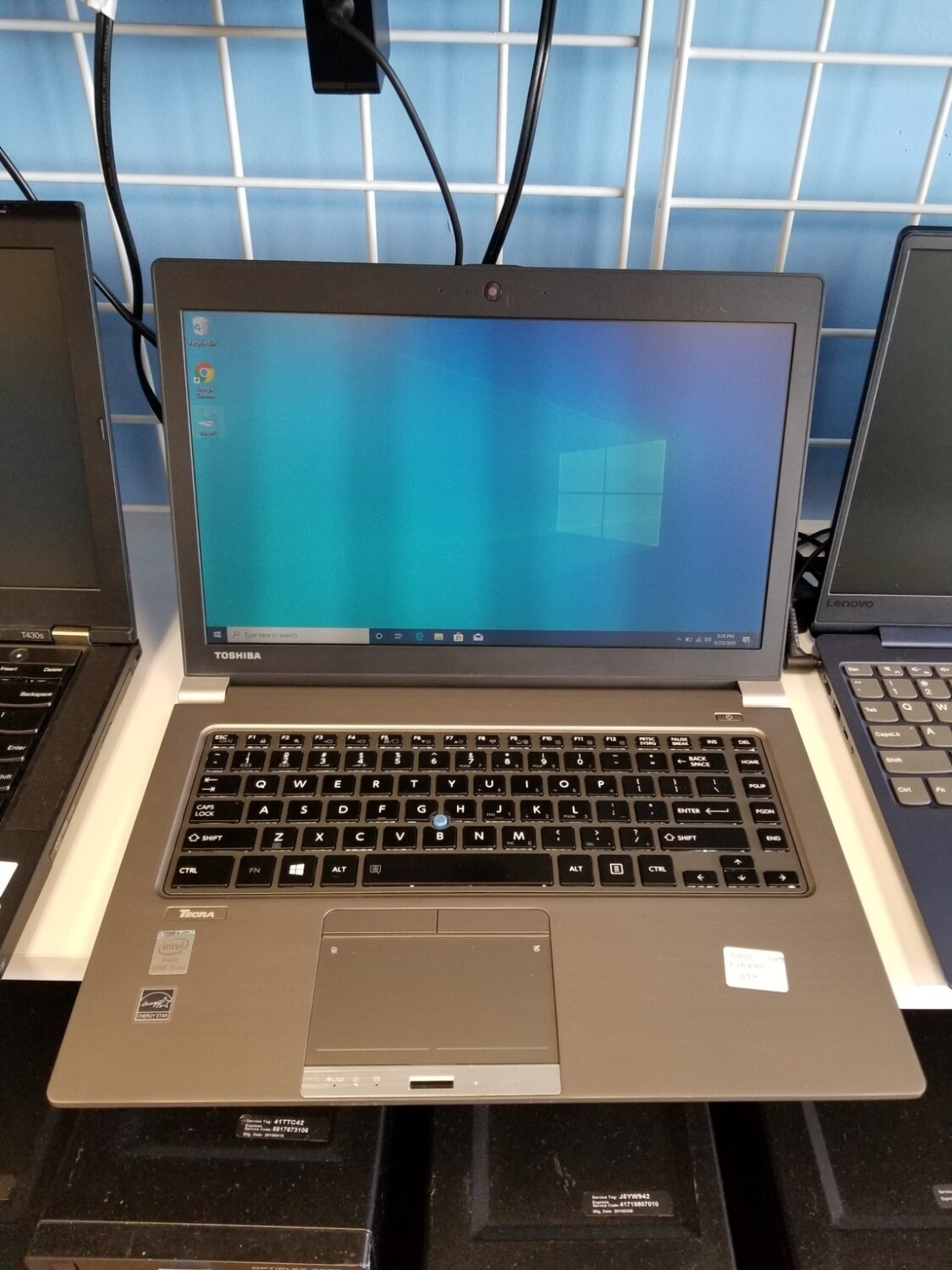 Toshiba Intel i5 8GB RAM 128GB SSD Windows 10 Light weight