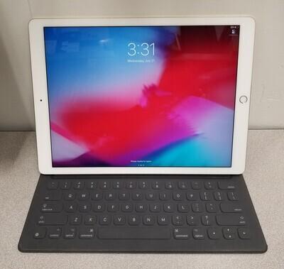 Apple iPad Pro 1st Generation (A1584) 32GB Wi-Fi Gold w/ Keyboard