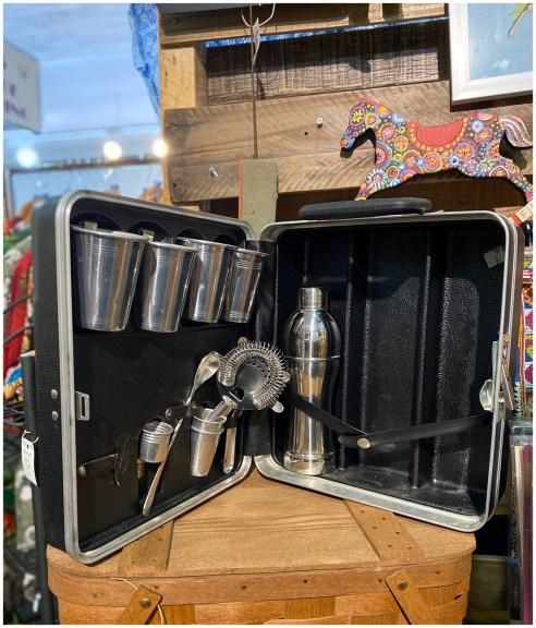 Mid Century 1970's 10 Piece Platt Cocktail Traveling Case