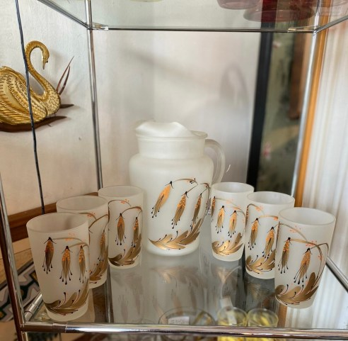 Mid Century Modern Pitcher with 6 Glasses