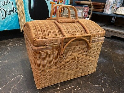 Wicker Picnic Basket with Removable Lid