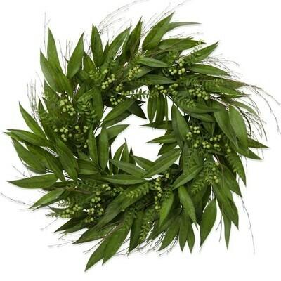 Willow Leaf Wreath w/ Green Berries 30