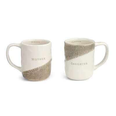 Mother & Daughter Hug Mugs Set/2