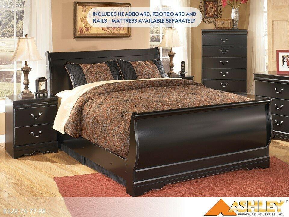 Huey Vineyard Black Bed with Headboard Footboard Rails by Ashley (Queen)