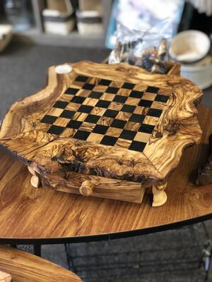 (665) large Olive wood chess set