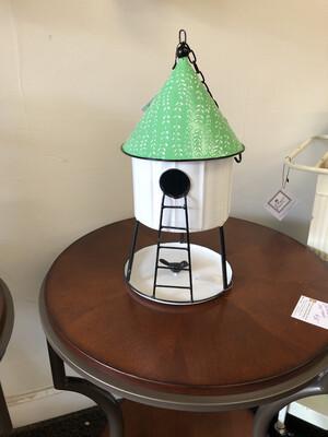 (685) Hanging hut Birdhouse