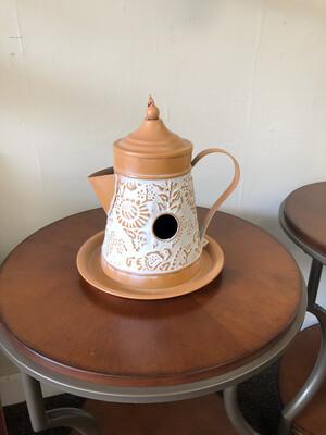 (670) LaPaz Coffee Pot Birdhouse
