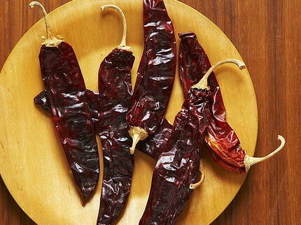 Kitchen Garden Dried Chipotle Peppers