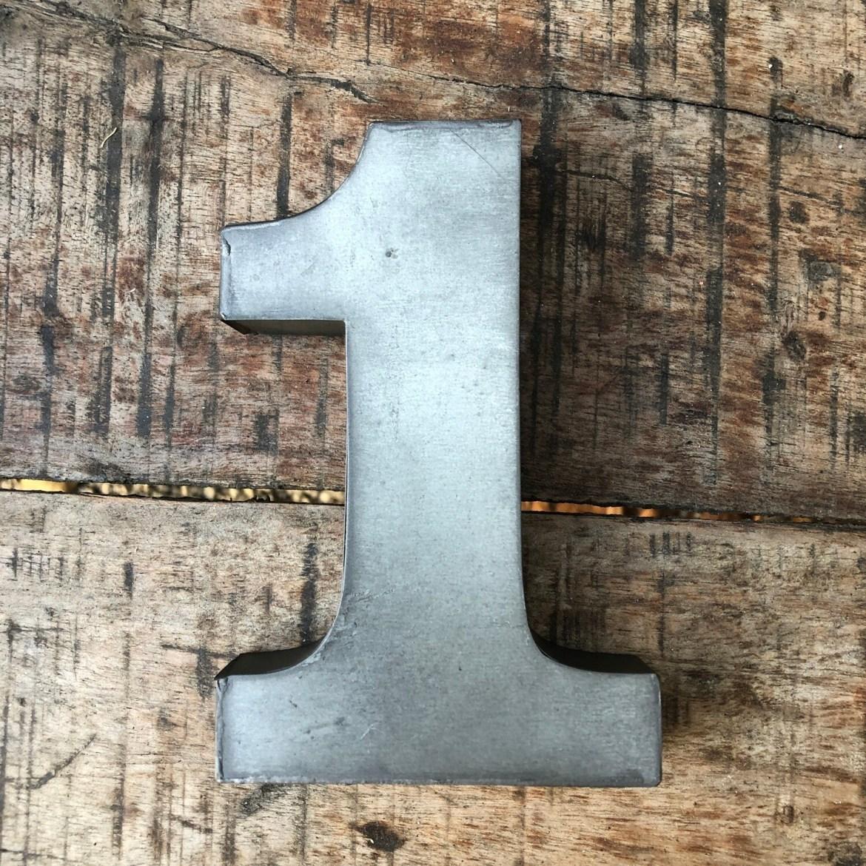 Numéro de maison en zinc - N°1