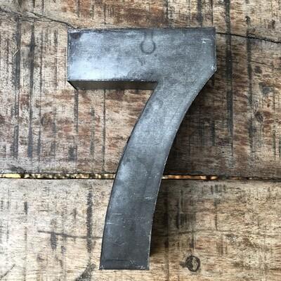 Numéro de maison en zinc - N°7