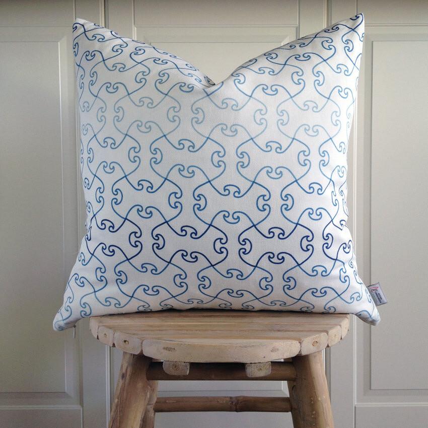 BOSPHORUS SAPPHIRE - Decorative Pillow Cover (half linen)