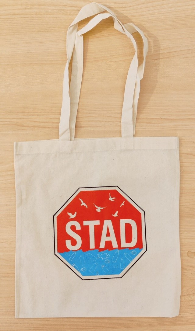 Small Changes Organic Tote: Stad