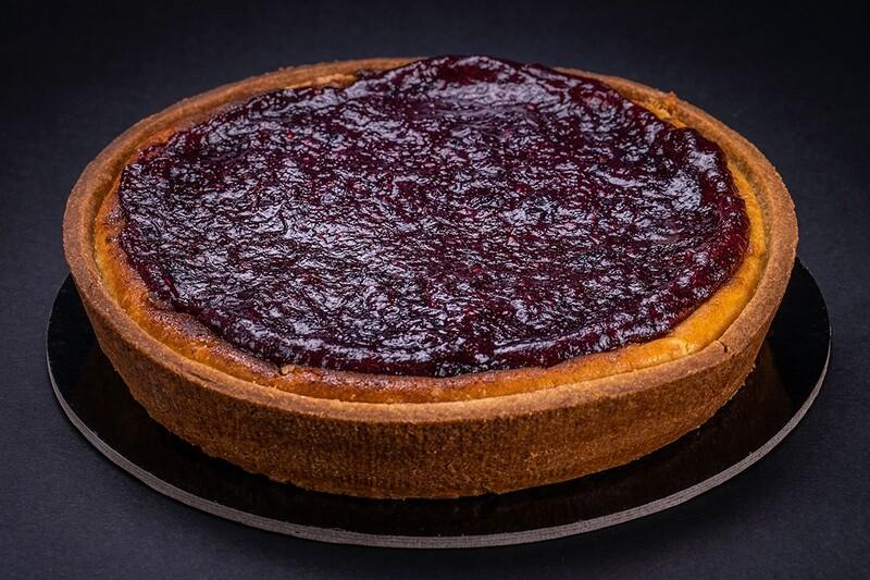 Cheesecake con confettura artigianale ai frutti di bosco