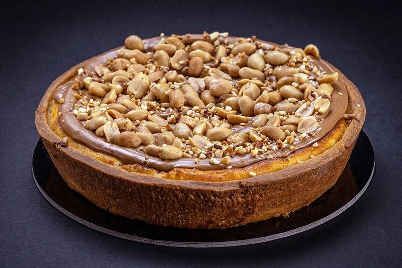 Cheesecake al caramello e arachidi salati